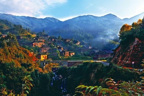 乌东苗寨:雷公山麓的世外桃源