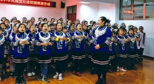 刘菊兰:民族文化在歌声中传承