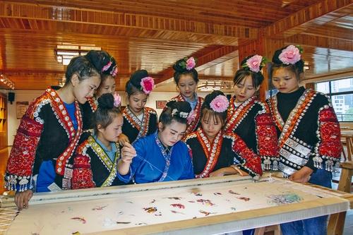 台江:非遗传承教育成亮点